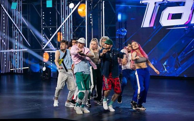 Улан-удэнцы штурмуют «Танцы»